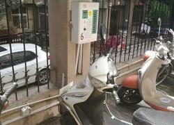 使用小区充电站给电动车充电对电动车电池有损伤吗?