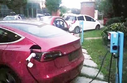 郑州昌原7kw交流汽车充电桩使用案例现场