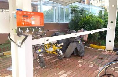 郑州昌原10路电动车充电站停车棚安装案例